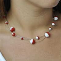Collier Feria perles rouges et blanches 3 rangs