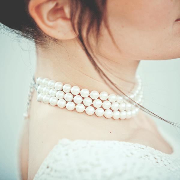 collier ras de cou noir perle