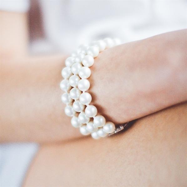 Bracelet manchette perles blanches 8mm \u0026 fermoir magnétique