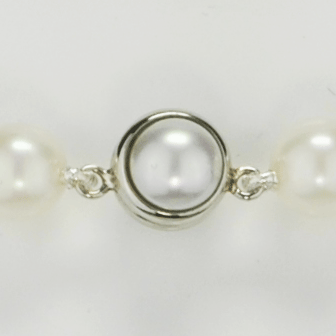 Bracelet perles blanches 12 mm & fermoir magnétique Angelina